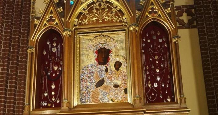 Koronacja Obrazu Matki Bożej Zwycięskiej Królowej Polski - fotogaleria