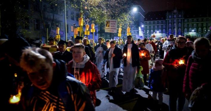 Procesja ze świętymi w Szczecinie