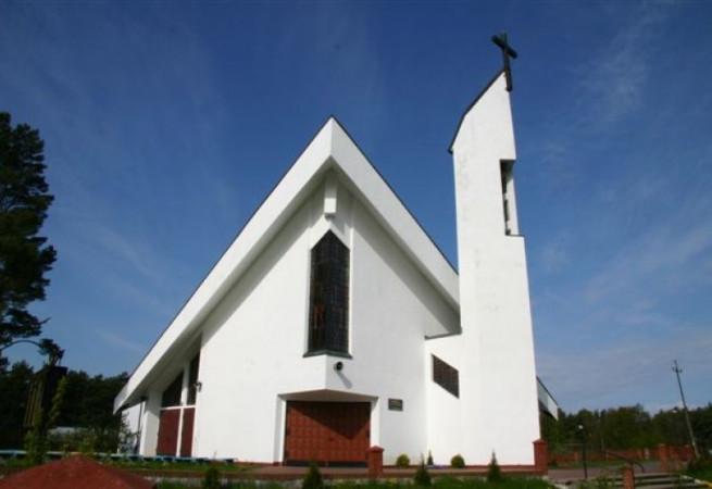 Pobierowo Kościół parafialny pw Najświętszego Odkupiciela