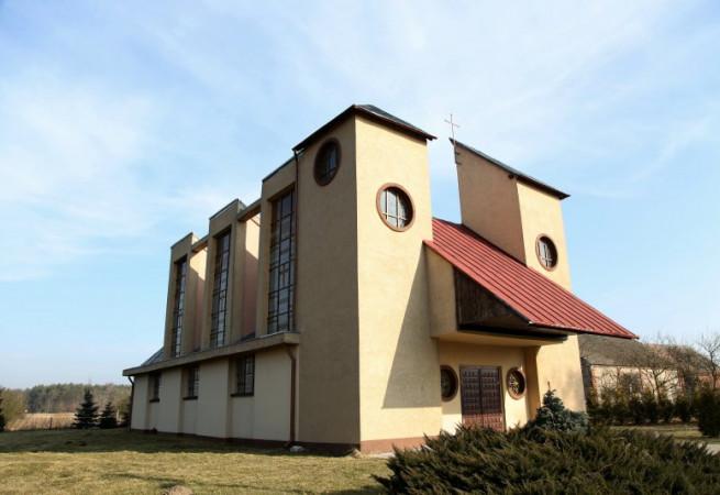 Komarowo Kościół filialny pw Przemienienia Pańskiego