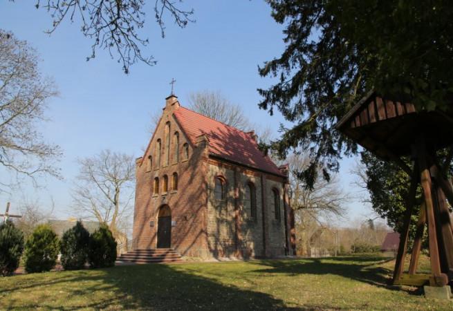 Oświno Kościół filialny pw św.Michała Archanioła