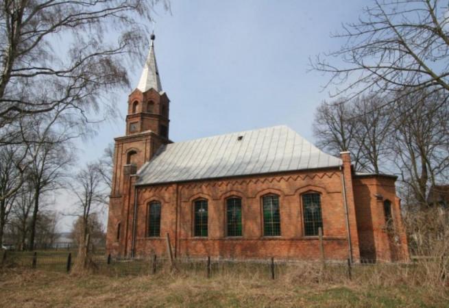 Piasek Kościół filialny pw NMP Królowej Polski
