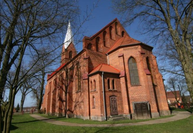 Radęcin Kościół parafialny pw św. Ap. Piotra